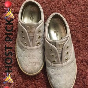 🎉HOST PICK🎉Authentic LV Kids sneakers 👟 2016